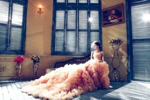 wedding-dresses-1486004_640